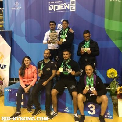 Тодор Желязков с 2 бронзови медала от провелия се в Рим турнир по бразилско жиу-житцу